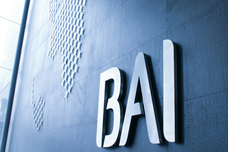 Fitch desce 'rating' do BAI de B para B-